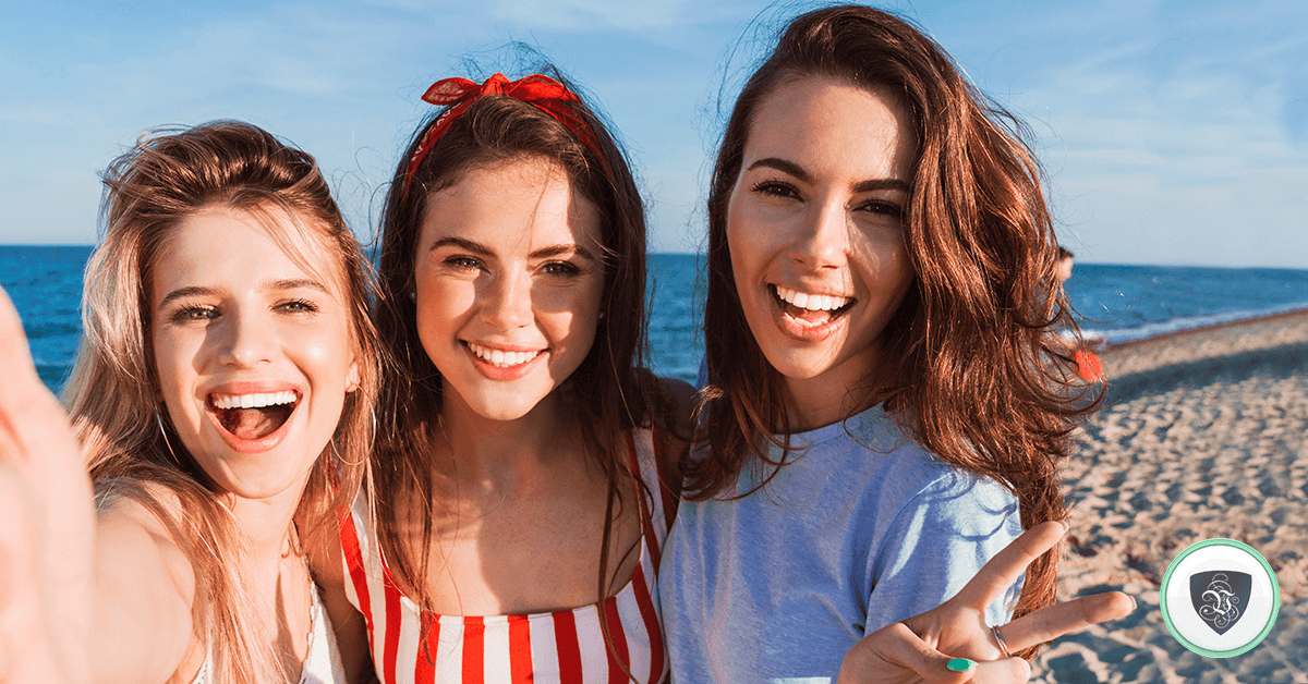 Ubicación Falsa: Cómo Las Selfies en Vacaciones Pueden Hacer Que Te Roben