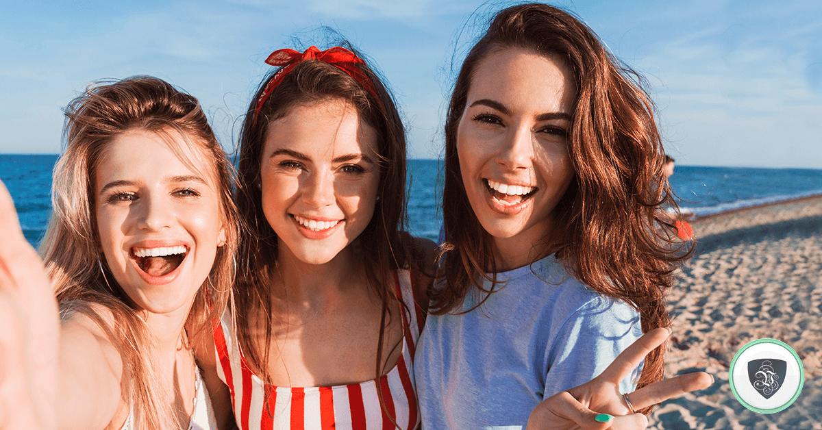 Fausse Localisation : Comment la localisation de selfies peut gâcher vos vacances. | Le VPN